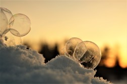 frozen-bubbles-and-sunset